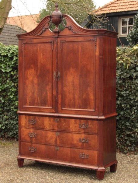 Antiek Hollands Kabinet  ( 0103.K )