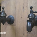 Set gerestaureerde waterkranen uit de 18de eeuw, 18th century wall mounted cold water tap